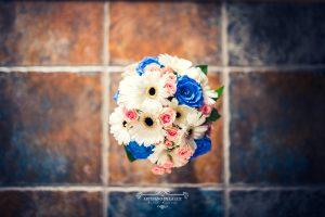 Ramo de novia con rosas azules