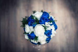 Ramo de novia con rosa azul